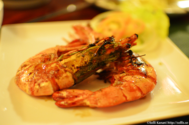 Having dinner in Boracay