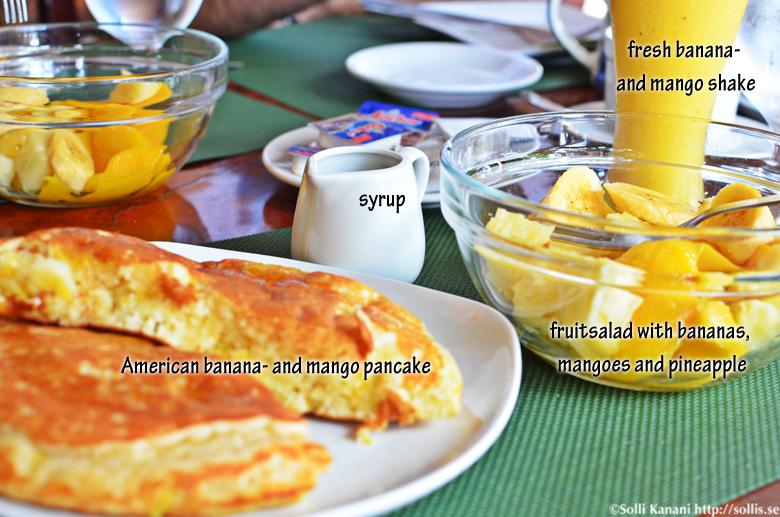 Having breakfast on Boracay