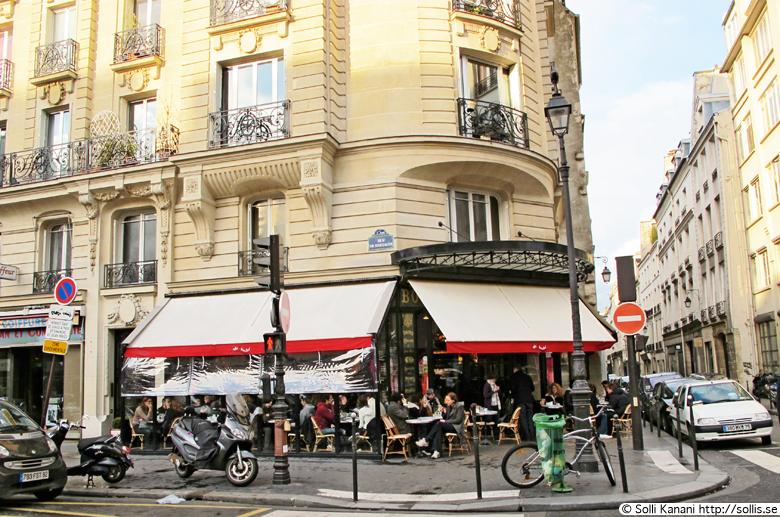 Brunch at Café Charlot in Paris