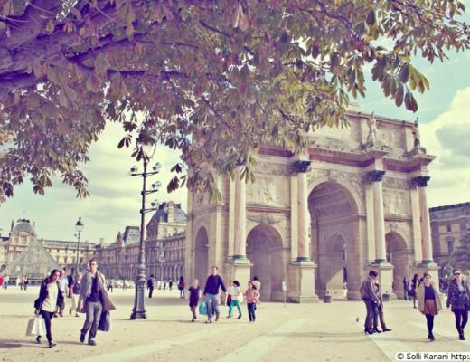Between Jardin des Tuileries and Louvre