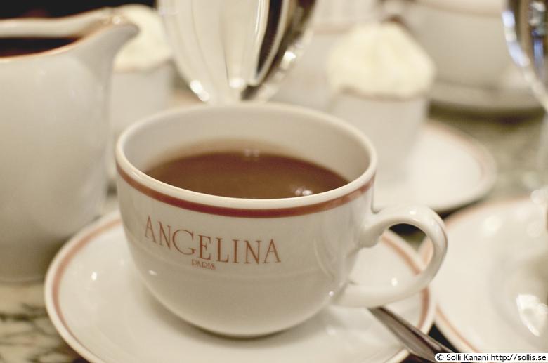 angelina-paris-2012-9