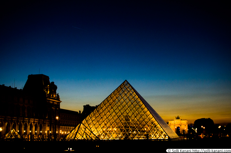 louvre-by-night-1