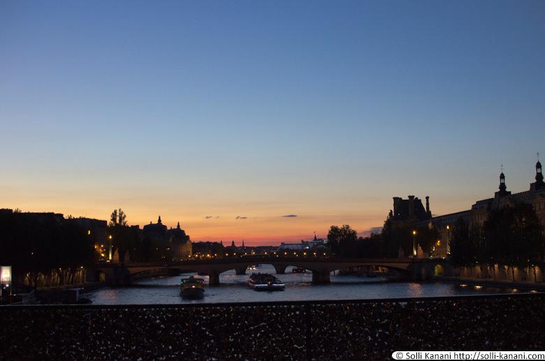 sunset-paris-bridge