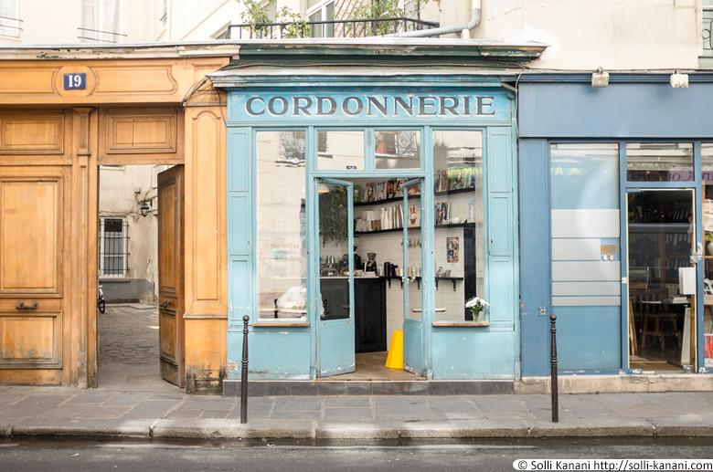 Coffeeshop in Paris