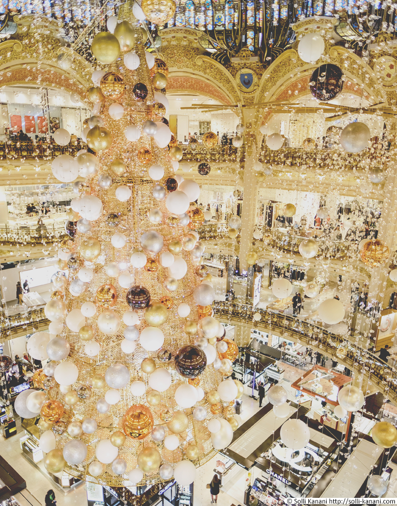 Christmas Tree at Galeries Lafayette 2015