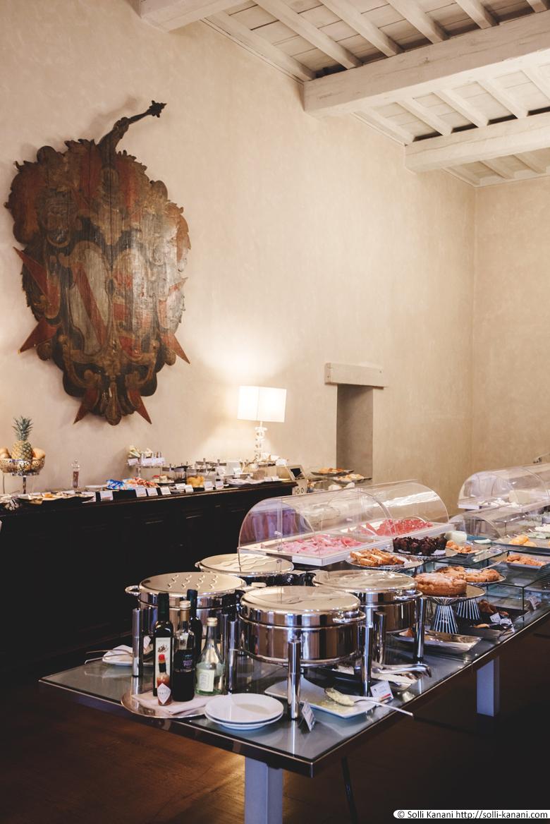 Breakfast at Hotel Brunelleschi in Florence